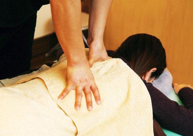 仙台で肩こりを改善したい方は若林区にある【かなで接骨院】へ!病院で診断できない痛みの原因が分かることも!